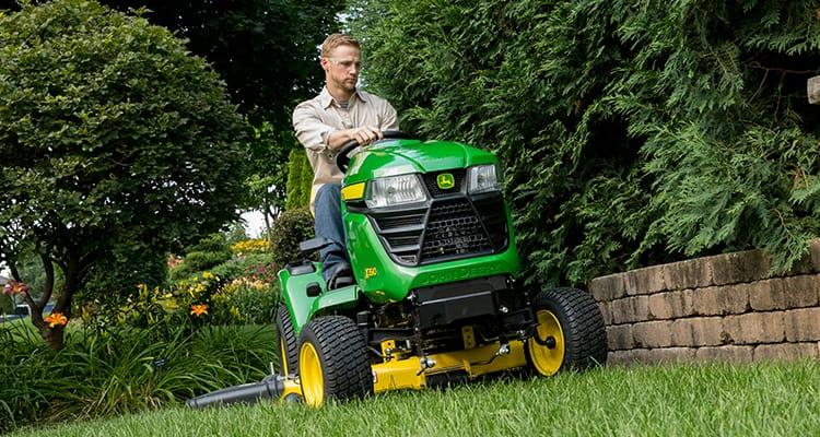 John Deere x350 Riding Lawn Mower