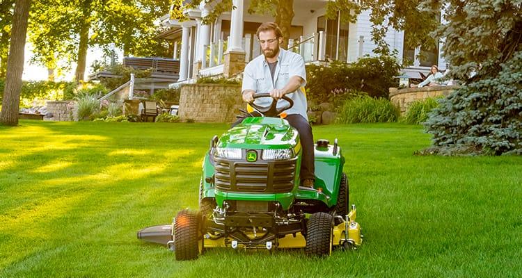 John Deer x739 Lawn Tractor